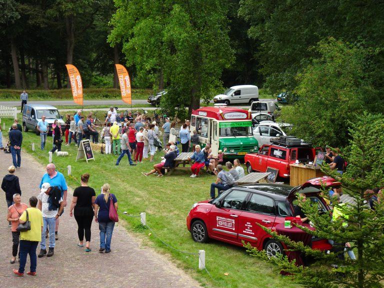 Sfeerfoto Foodtrucks Zomer fair Veenhuizen